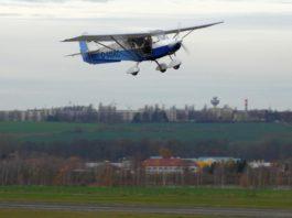 Symbolbild: Ultraleichtflugzeug Skyranger im Flug